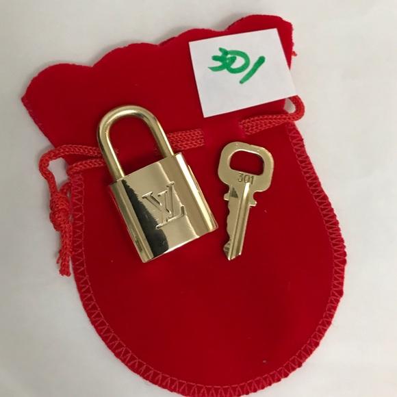 Louis Vuitton Accessories - Louis Vuitton Lock and key set 301